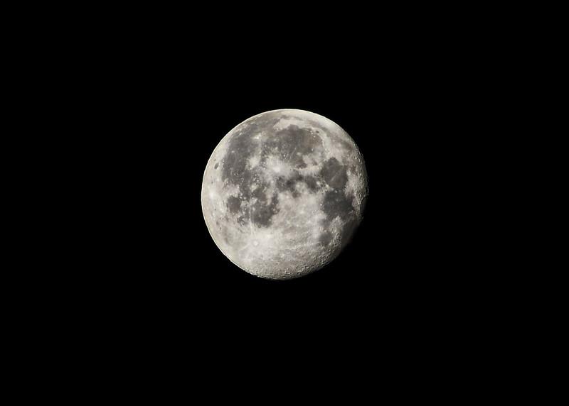 NEA_7021=7x5-Moon.jpg