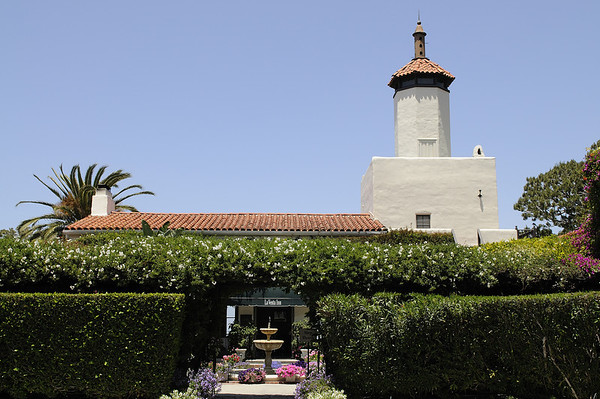 The Marriage of Christie and Bruce Feldman at the La Venta Inn located in Palos Verdes, California