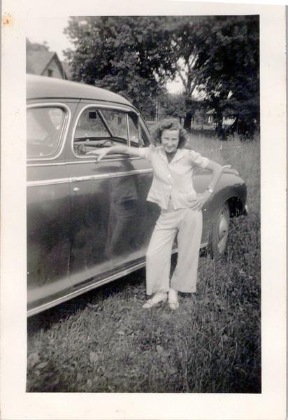 1942 Velma Webb.jpeg