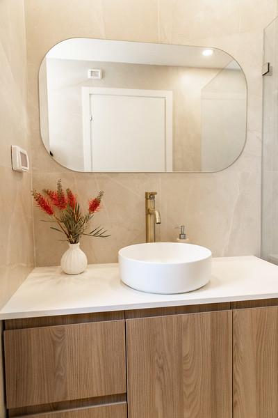 Nat Bathroom (4).jpg