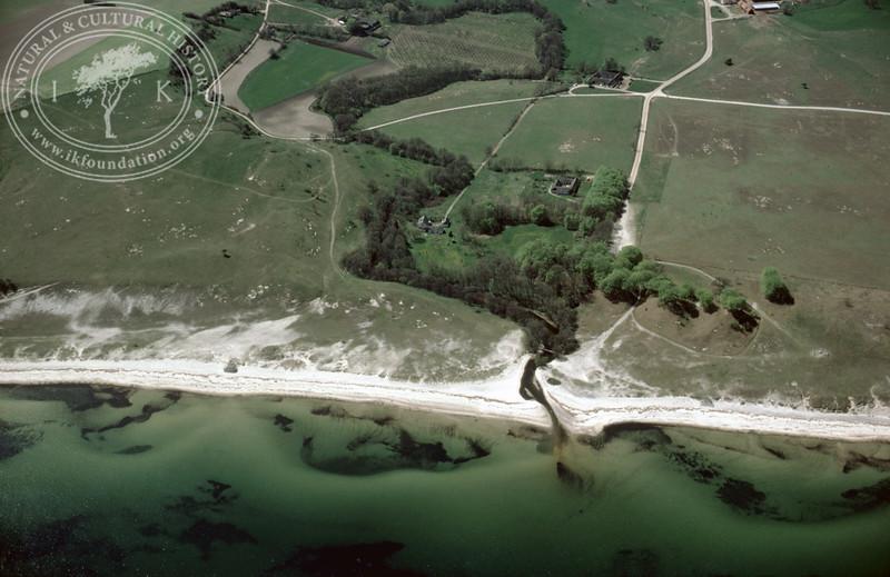Haväng, Verkaån, coastline around the mouth (1985).   LH.0017