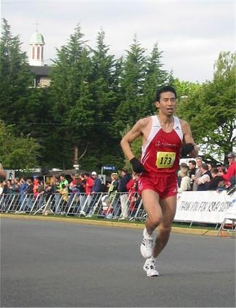 2003 Times-Colonist 10K - Rob Hasegawa - 35:42
