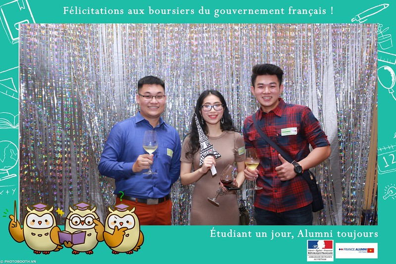 France-Alumni-Vietnam-photobooth-at-Franch-Embassy-Vietnam-photobooth-hanoi-in-hinh-lay-ngay-Su-kien-Lanh-su-quan-Phap-WefieBox-photobooth-vietnam-023.jpg