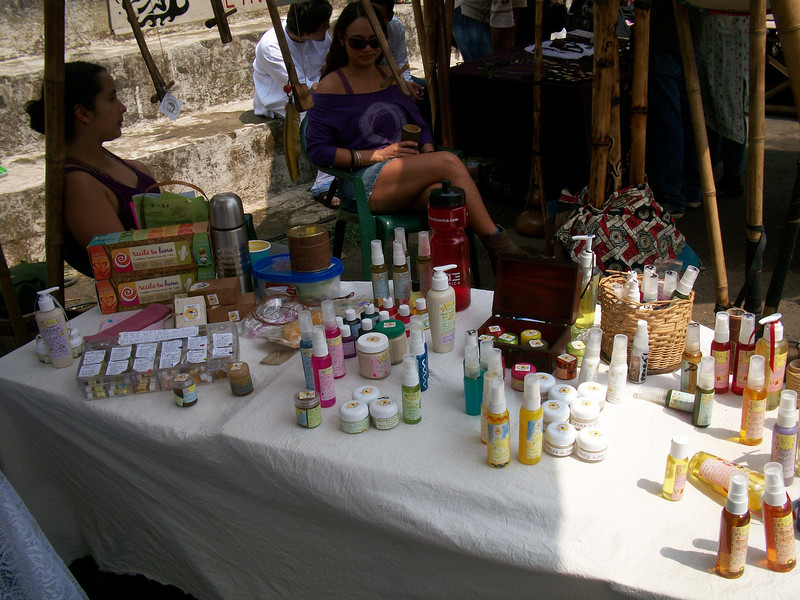 Hadas Aromatherapy - 100% Natural Aromatherapy products PLUS, they also carry alternative things for your menstration like Sea Sponges & pads - http://MenstruacionAlternativa.blogspot.com (though if you're seeking a Diva Cup type item - contact me & I'll hook you up with someone that has them in Costa Rica!!)  AromaTerapiaHadas@gmail.com / http://AromaTerapiaHadas.blogspot.com  /  https://Facebook.com/profile.php?id=100001521377470