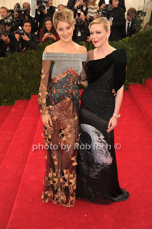 Shailene Woodley and Kirsten Dunst photo by Rob Rich © 2014 robwayne1@aol.com 516-676-3939