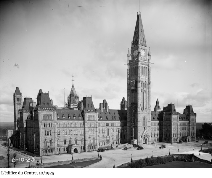 Centre Block - L'édifice du Centre, 10/1925