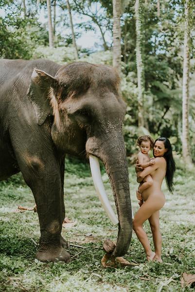VTV_family_photoshoot_elephants_Bali_ (138).jpg