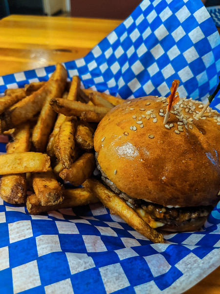 Jonny's Cookhouse sweet marie burger-2.jpg