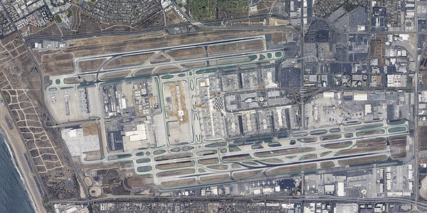 Vertical Airport Images