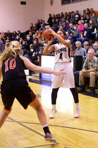 '17 Cyclones Girls Basketball 28.jpg