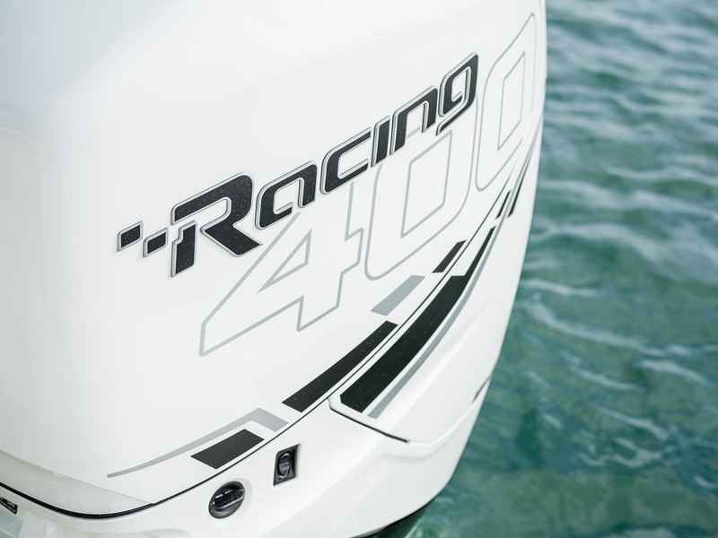 2020-SLX-R-310-outboard-racing-engines-02.jpg