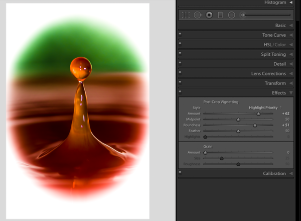 The Roundness Slider moved to the right creates a more circular Vignette