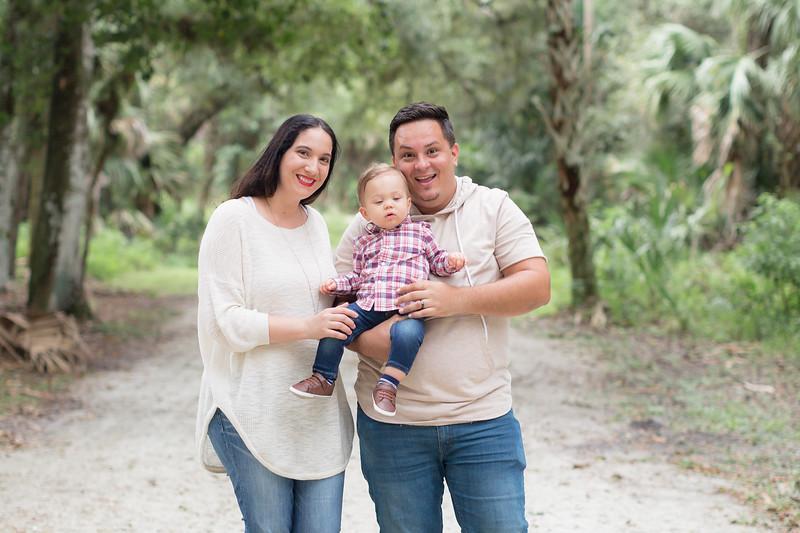 Holiday Minis- Acosta Family-40.jpg