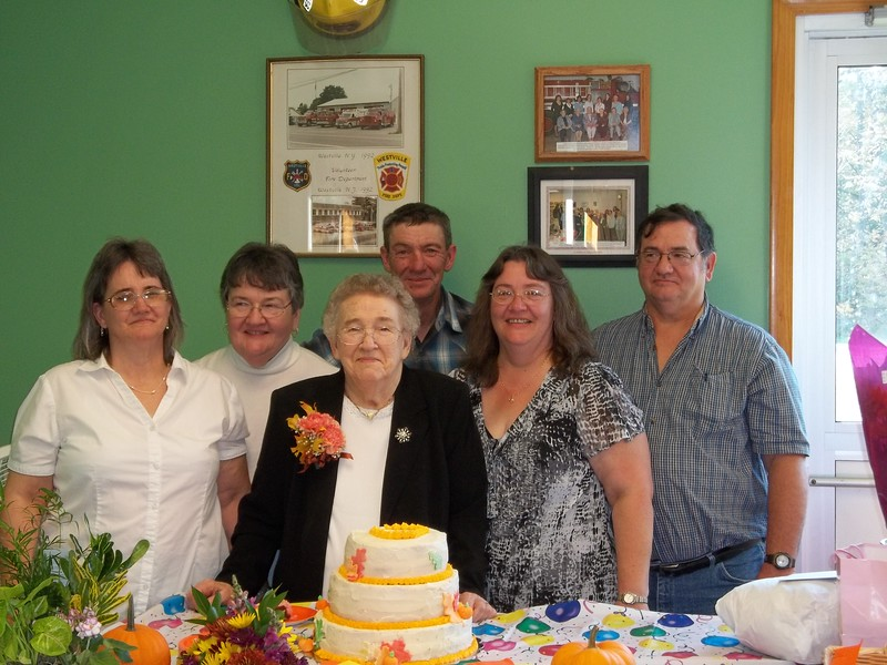 Lorraine Fenoff, Diane, Norma, John & Dale Brockway & Janine Bruso (Oct. 9, 2011) (1).JPG