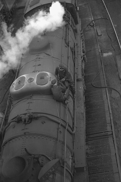 D&RGW-steam-locomotive_Salt-Lake-City_Jan-03-1948_Emil-Albrcht-photo-0202-rescan.jpg