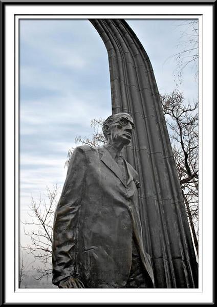 memorial2 (56495789).jpg