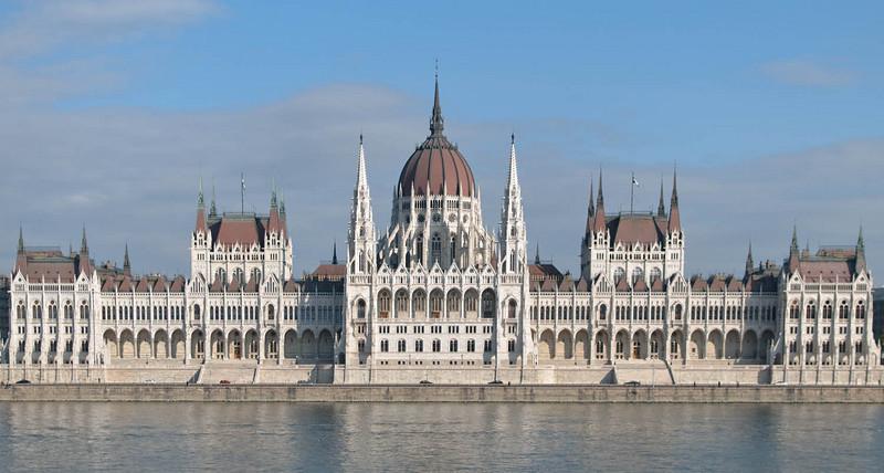 Von der westlichen Seite der Donau hatten wir noch einen wunderbaren Ausblick auf das Parlament.