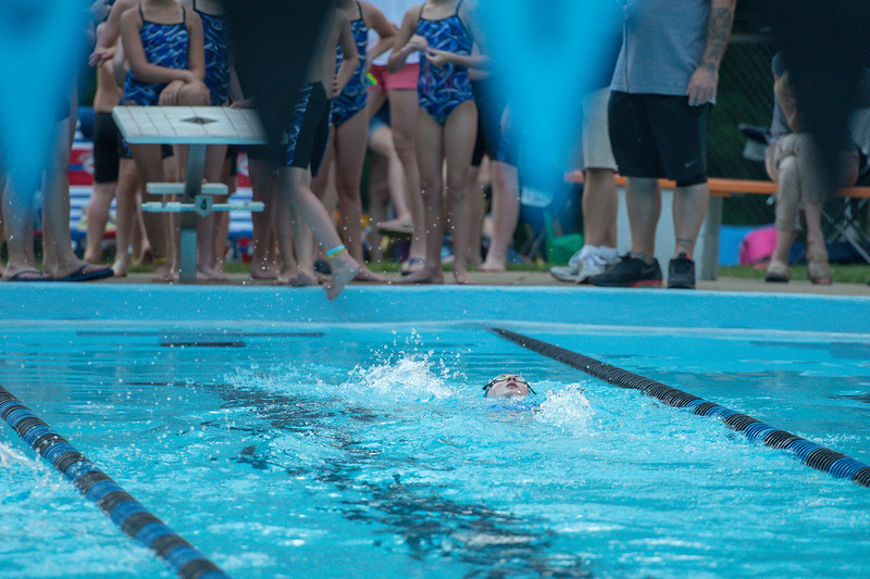 lcs_swimming_kevkramerphoto-534.jpg