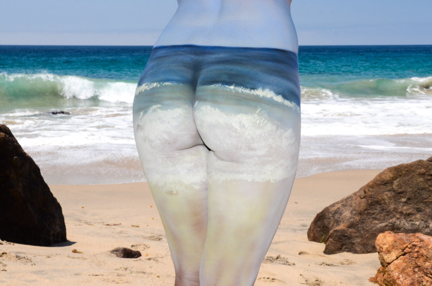 Beach Bum body painting by body paint artist Paul Roustan