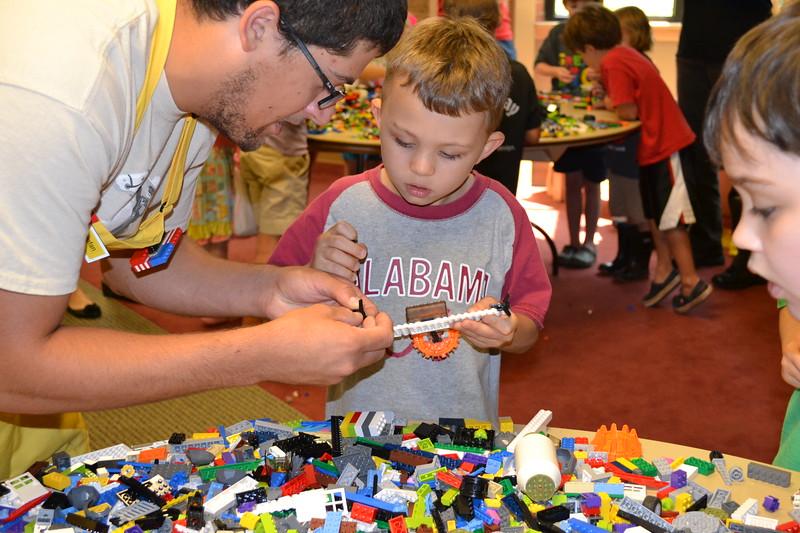 Lego Sculpture Art #11.jpg