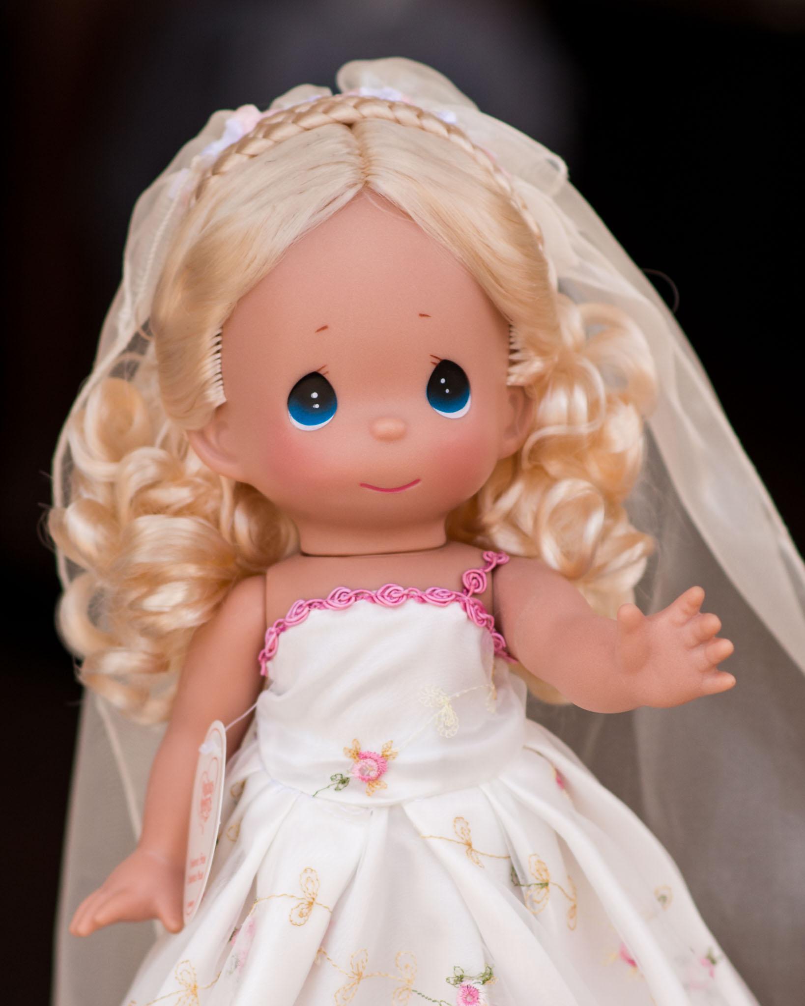 Precious Moments Disney Doll Collection - Cinderella Bridal Dress Closeup - Epcot Flower & Garden Festival 2016