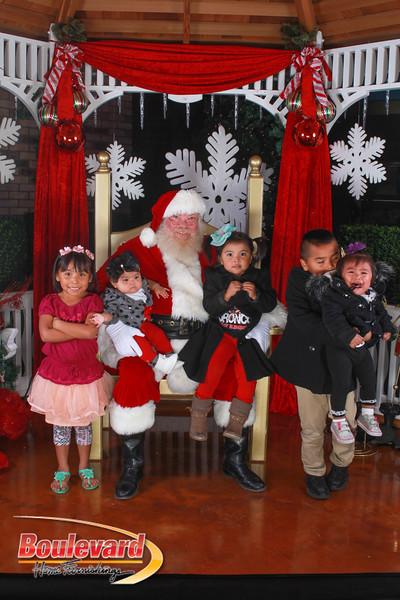 Santa 12-10-16-382.jpg