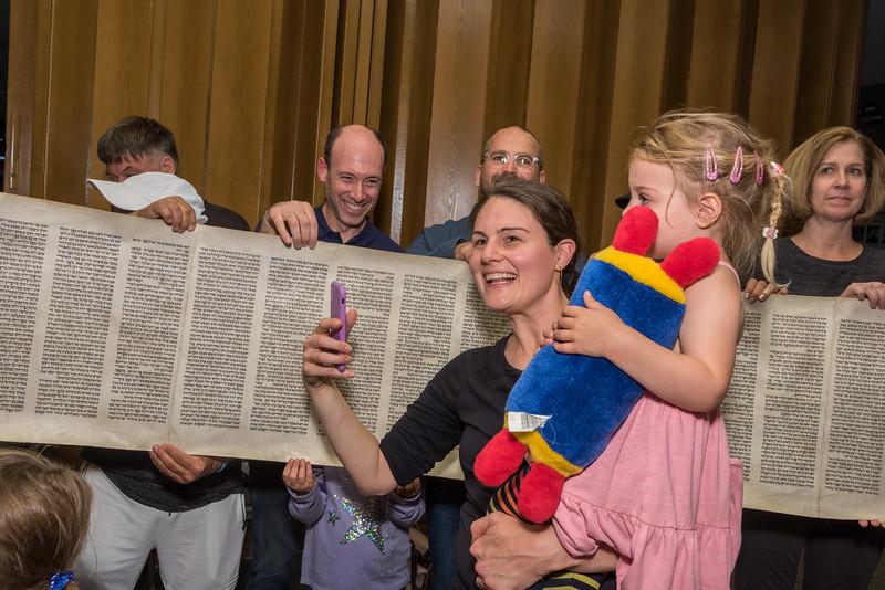 Simchat Torah-302.jpg