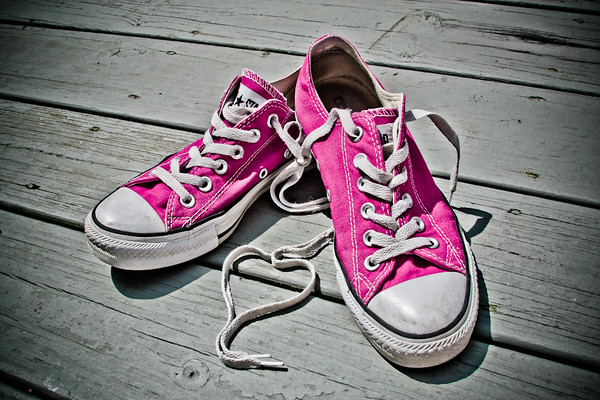 Dangling Shoelaces