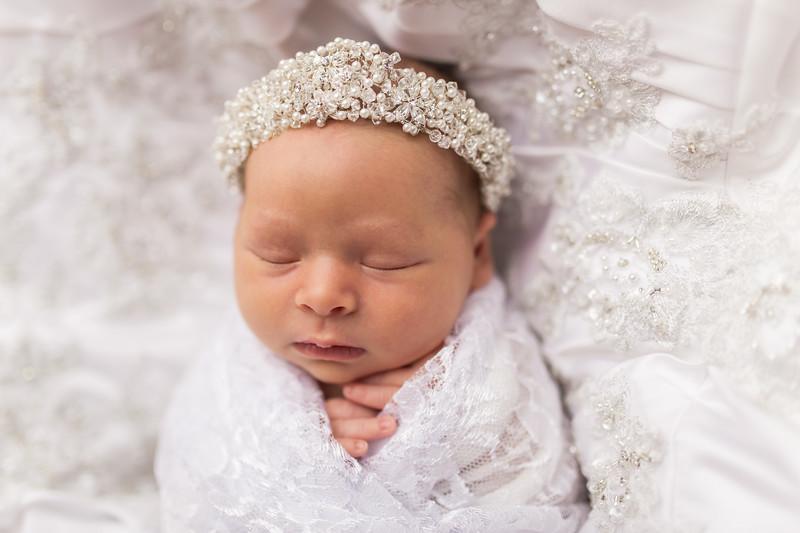 Kaylyn Newborn-119.jpg