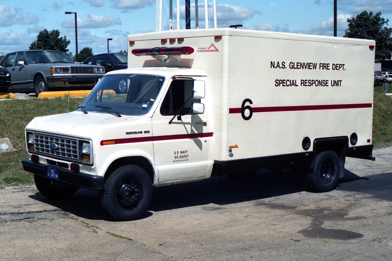 GLENVIEW NAS  SPECIAL OPERATIONS 6  1995 FORD - UTILIMASTER.jpg