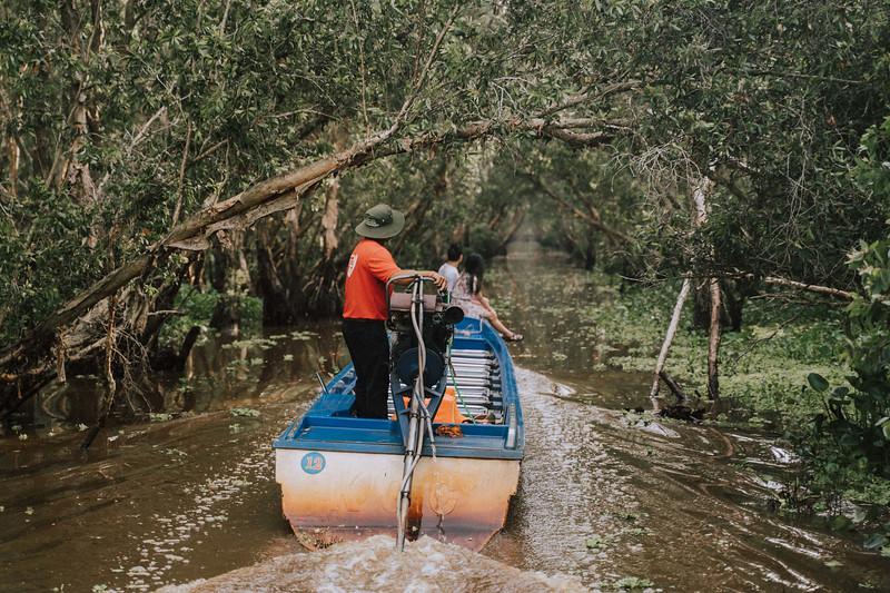 Tu Nguyen Wedding Mekong River Elopement Can Tho  - Southern Vietnam 10.jpg