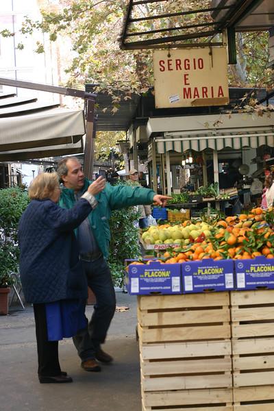 market-in-rome_2098388276_o.jpg