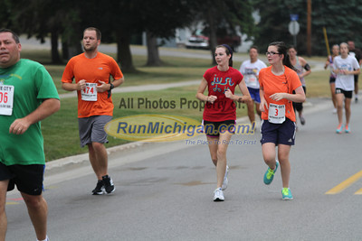 2 Mile at 1.5 Mile Mark Gallery 2 - 2013 Boyne City Independence Day Run