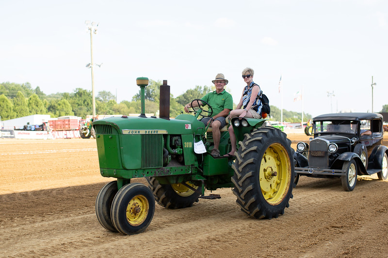 Antique Tractor Parade-52.jpg