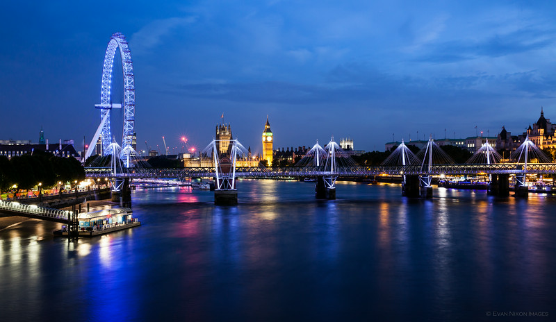 A Night on the Thames