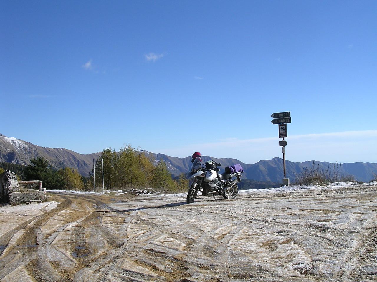 Baisse di Sanson, kruispunt op LGKS