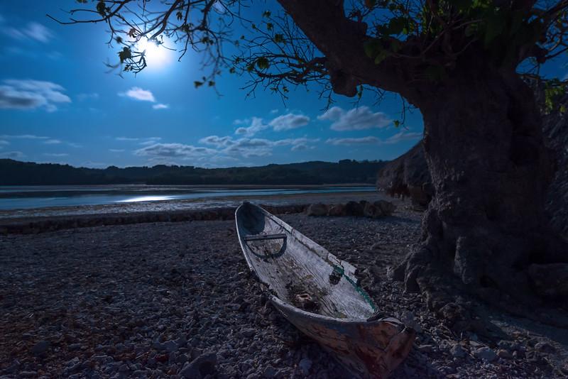 Full Moon Canoe