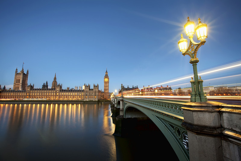 House-of-parliement-early-morning.jpg