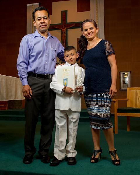 Communion Hispanic-9020-8 8x10.JPG