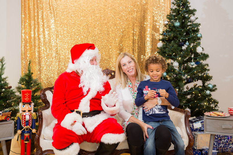 FADS Picture with Santa-200.jpg