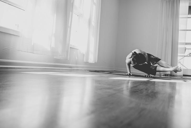 2014 10 10 Kelly goRockett yoga-23.jpg