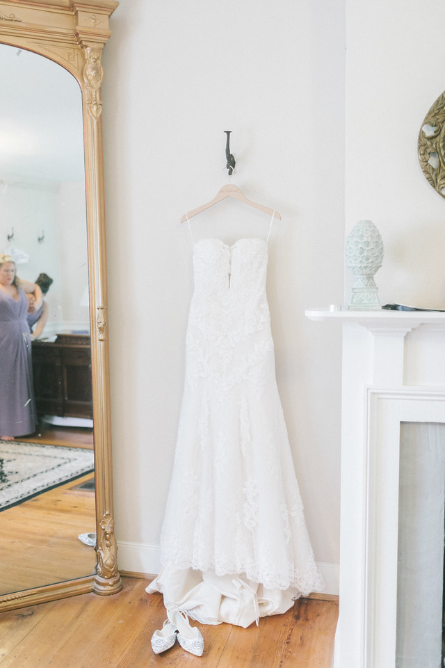 Getting the best wedding photography starts in the bridal suite.