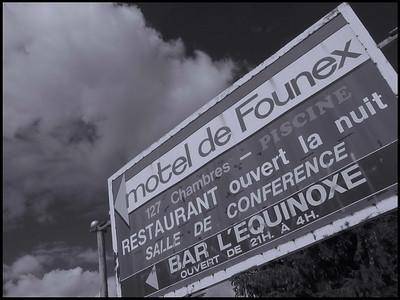 n&b  Motel de Founex