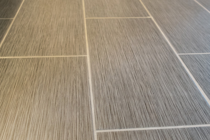 shady-fuji-upstairs-master-bathroom-0621.jpg
