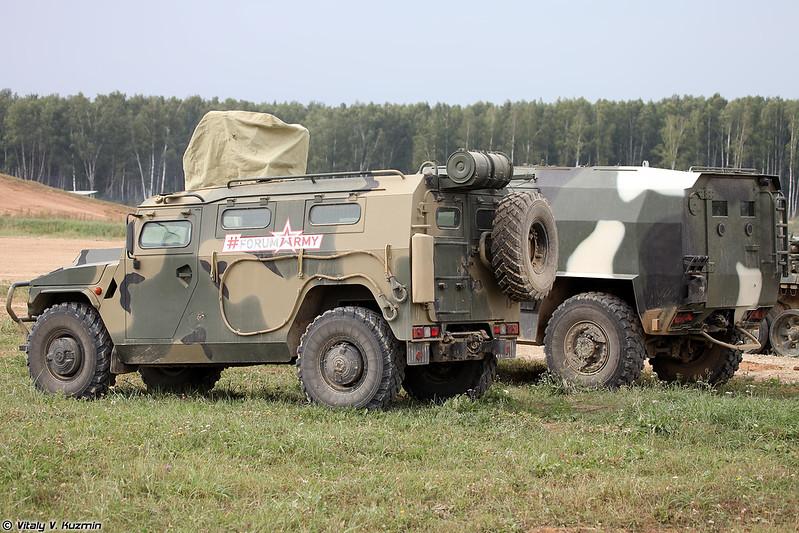 АМН 233114 Тигр-М и МЗКТ-490100 (AMN 233114 Tigr-M and MZKT-490100)