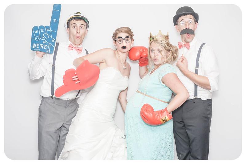 Laura+Ross-Wedding-Photobooth-086.jpg