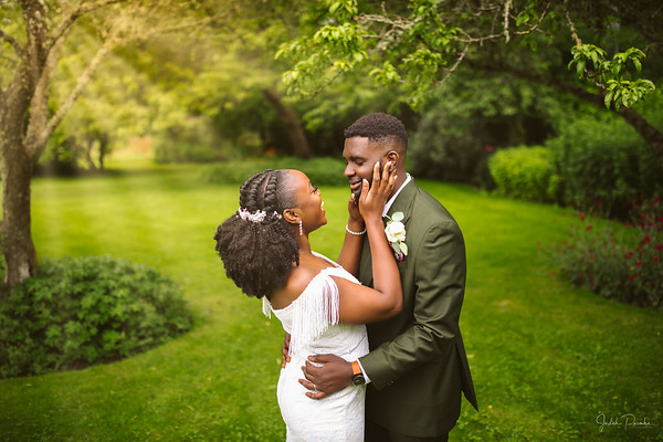 Juliana & Lanre - Summer Wedding | Starling Lane Vineyard - Victoria, BC