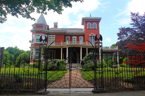 The Stephen King Home And Neighborhood - Bangor Maine