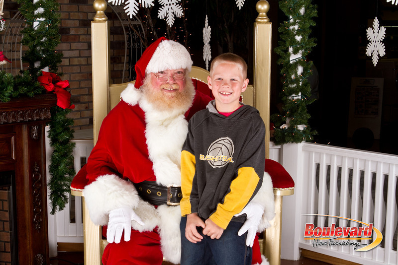 Santa Dec 8-278.jpg