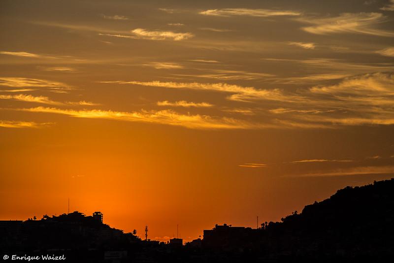 Caleta sunset.jpg